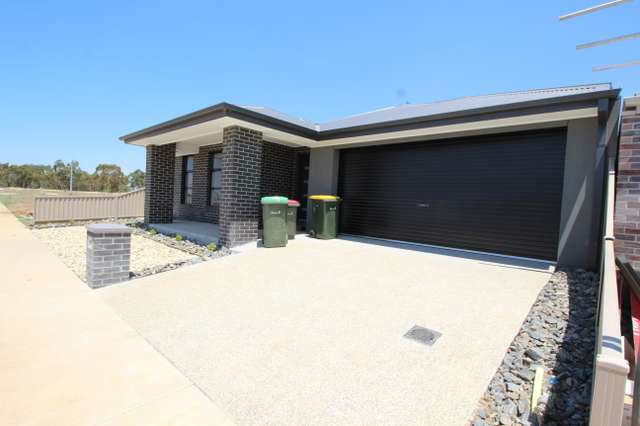 60 Willoby Drive, Alfredton VIC 3350