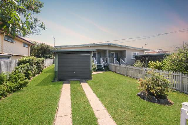 5 Hill Pde, Clontarf QLD 4019