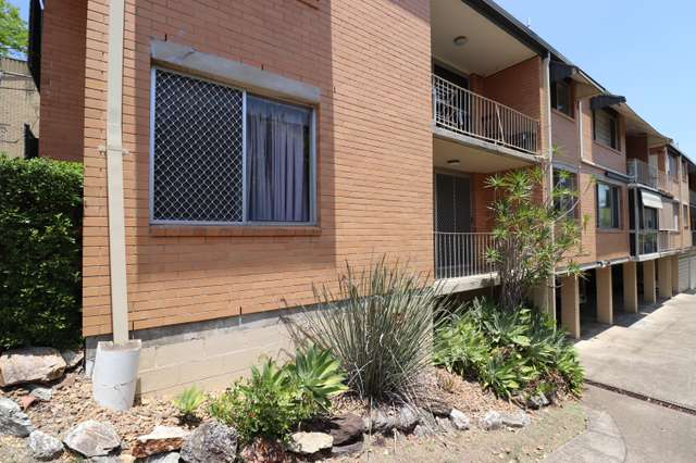 1/22 Raby Rd, Coorparoo QLD 4151