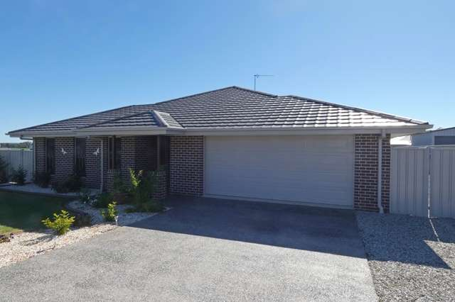 2 Derby Dr, Rosenthal Heights QLD 4370