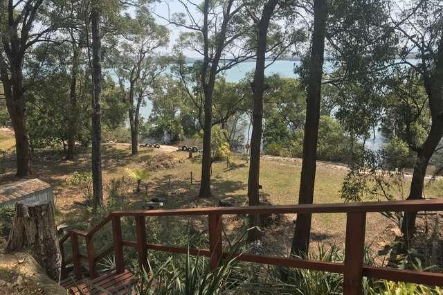 21 Coast Rd, Macleay Island QLD 4184