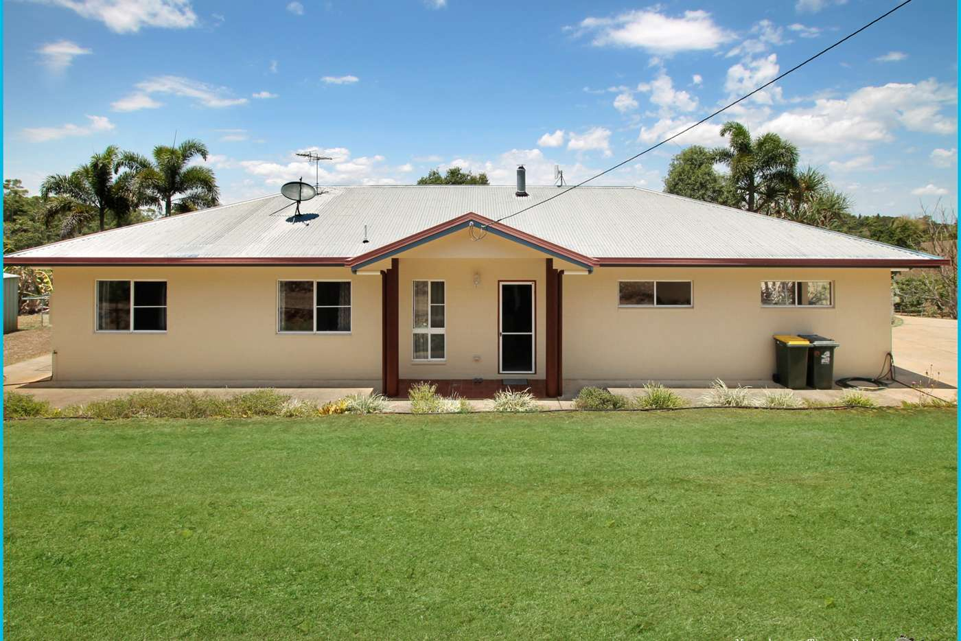 Main view of Homely acreageSemiRural listing, 7 Fox Close, Yungaburra QLD 4884