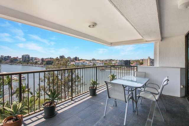 10/77 Cairns St, Kangaroo Point QLD 4169