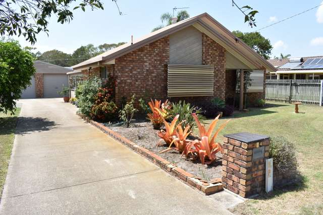 24 William St, Urangan QLD 4655