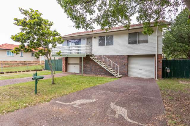 383 Broadwater Rd, Mansfield QLD 4122