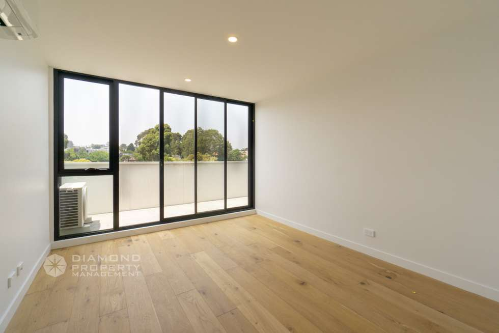 Third view of Homely apartment listing, Apt One/260 Burwood Highway, Burwood VIC 3125