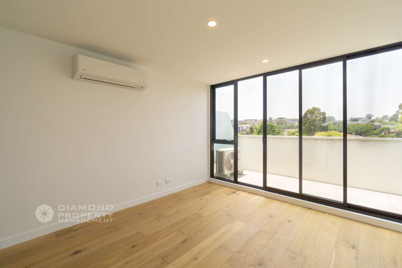 Fifth view of Homely apartment listing, Apt Two/260 Burwood Highway, Burwood VIC 3125