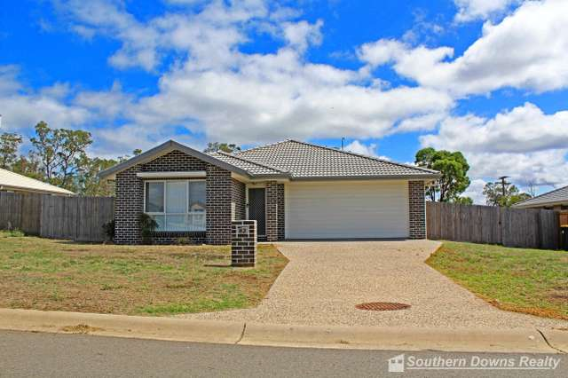 82 Maynes St, Rosenthal Heights QLD 4370