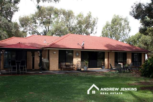98 Snell Rd, Barooga NSW 3644