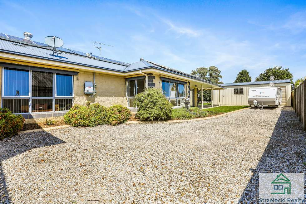 Second view of Homely house listing, 43 Murray St, Trafalgar VIC 3824