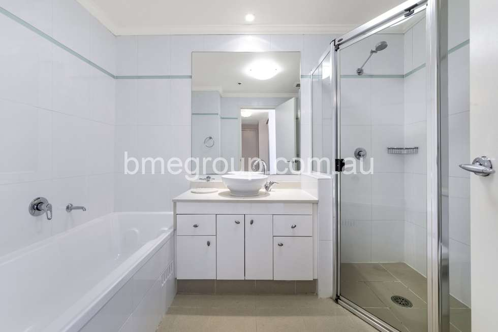 Fifth view of Homely apartment listing, Level 23, 361-363 Kent St, Sydney NSW 2000
