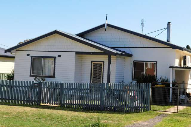 43 Queen St, Boorowa NSW 2586