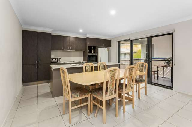 84 River Run Cct, Ormeau Hills QLD 4208