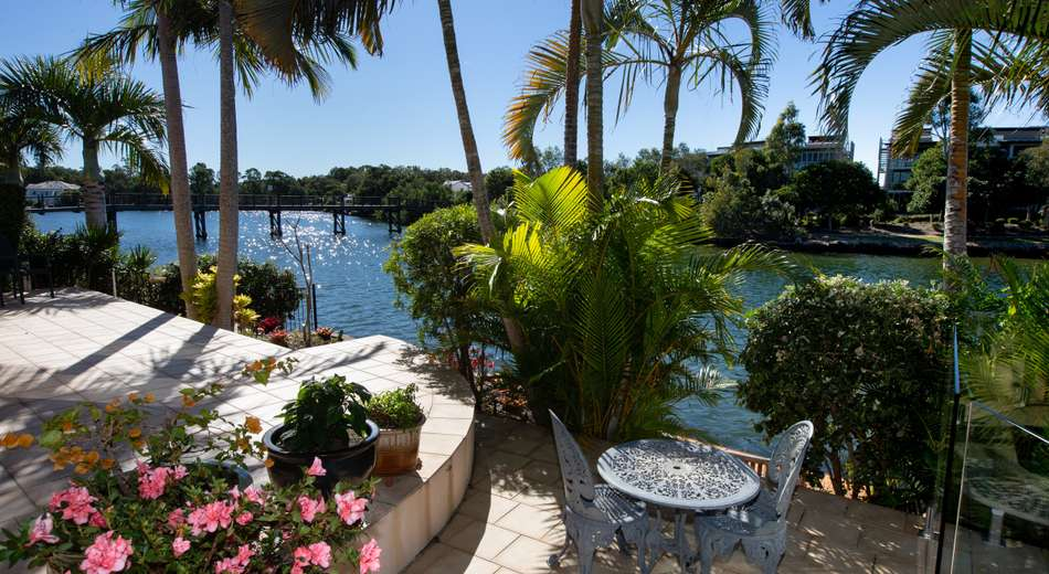 5 Blue Water Ct