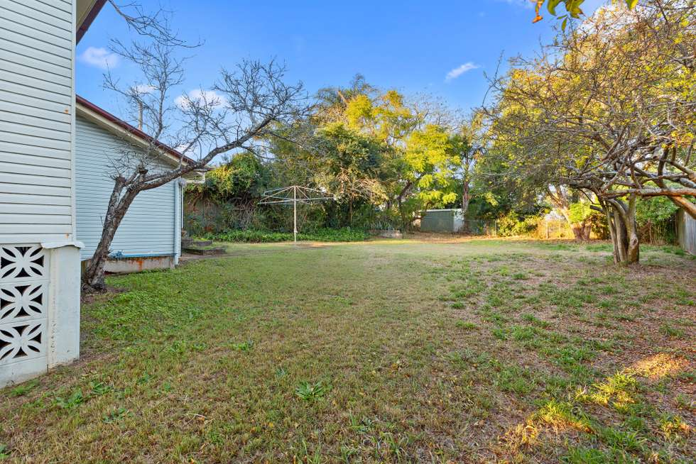 Second view of Homely house listing, 10 Brockhouse St, Upper Mount Gravatt QLD 4122