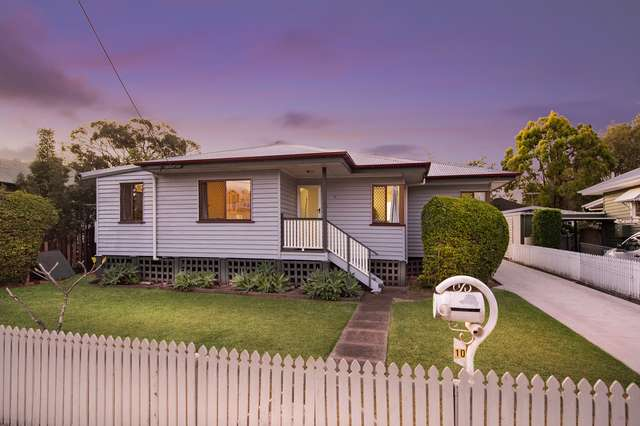 10 Calston St, Oxley QLD 4075