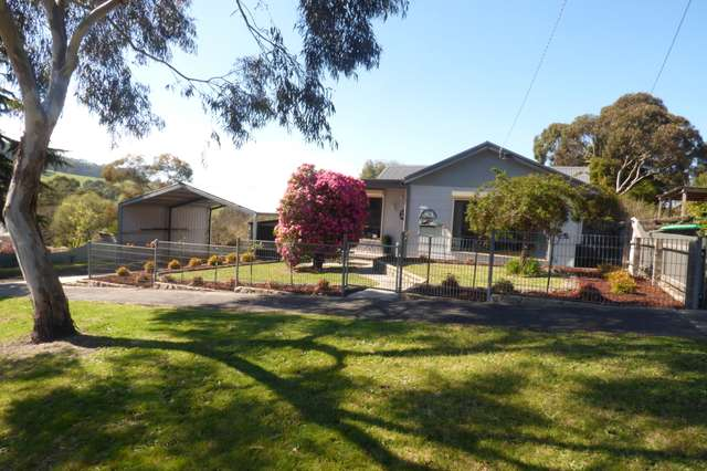4 Roxburgh Rd, Yallourn North VIC 3825