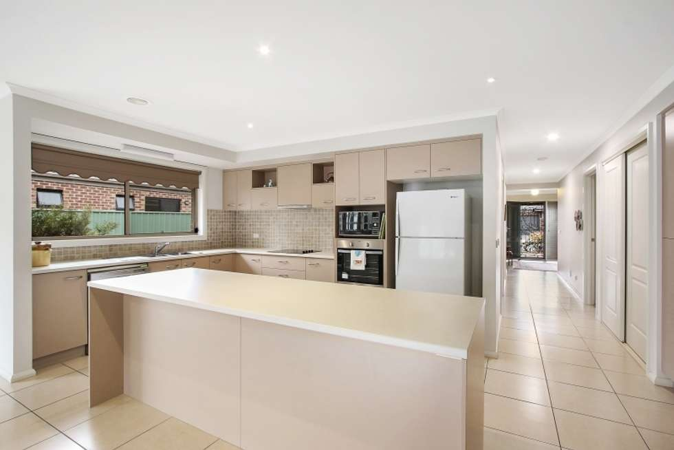 Third view of Homely house listing, 5 Inwood Cres, Wodonga VIC 3690