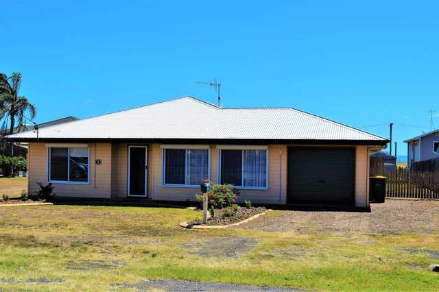 3 McGowan St, Burnett Heads QLD 4670