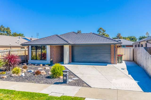 22 Howitt Ave, Eastwood VIC 3875