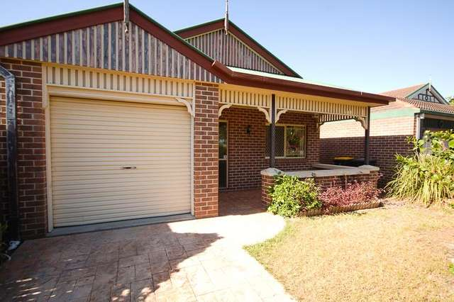 8 Barrier Place, Forest Lake QLD 4078