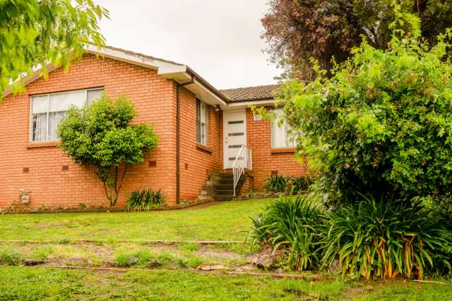 35 Anzac Pl, Orange NSW 2800