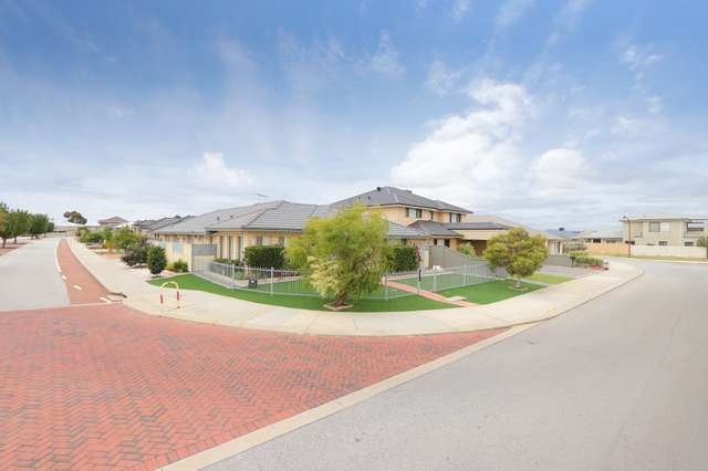 26 Middle Parkway, Canning Vale WA 6155