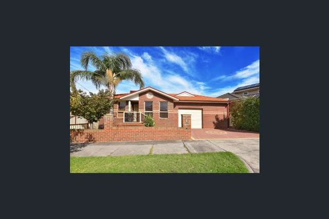 19 Mckenna St, Avondale Heights VIC 3034