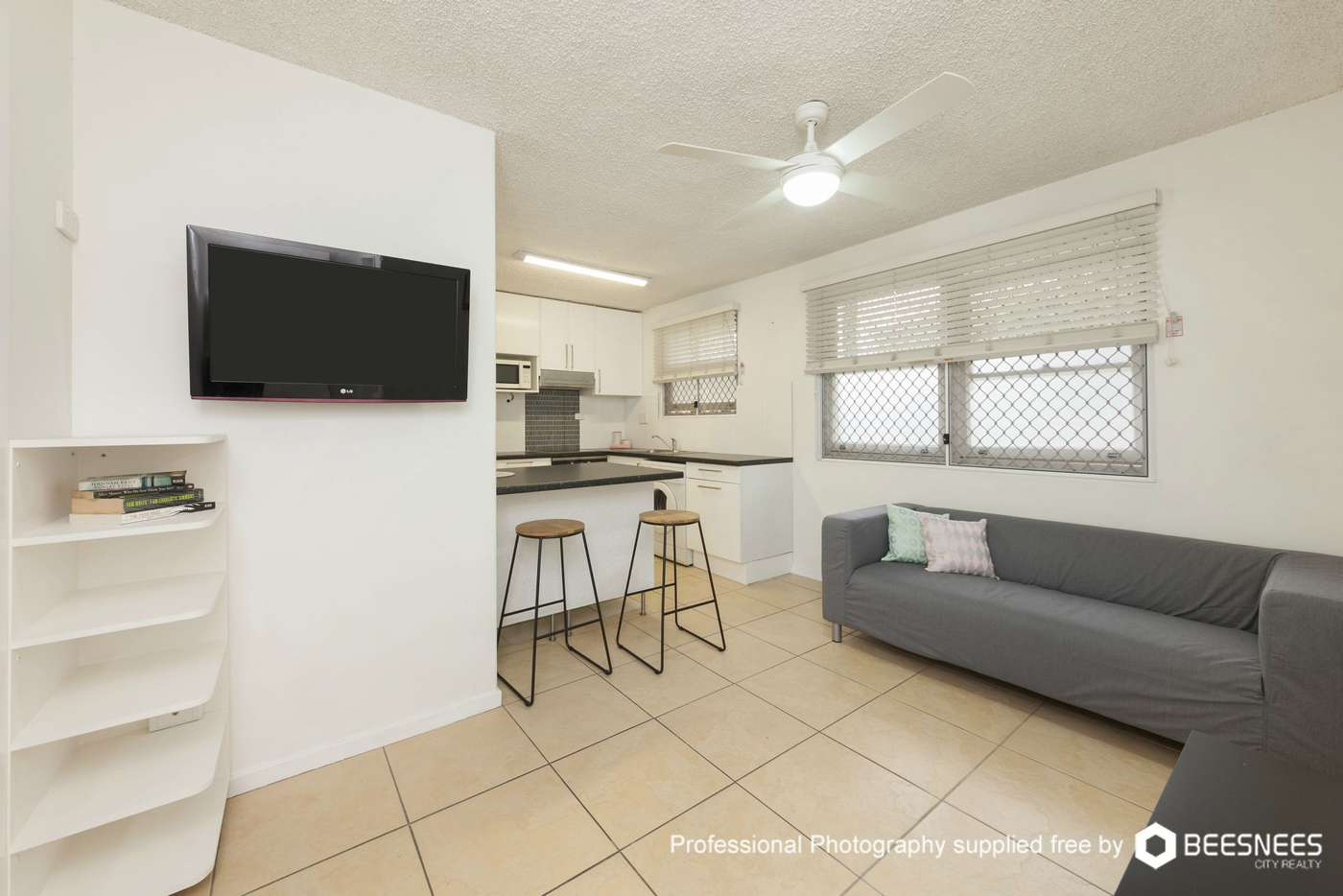 Main view of Homely unit listing, 4/2 Carl Street, Woolloongabba QLD 4102