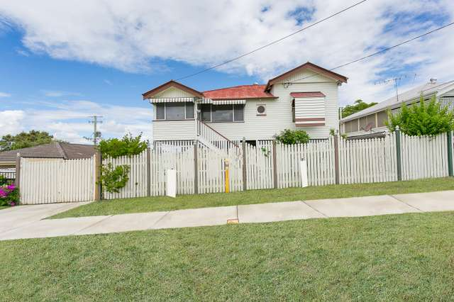 27 Booval St, Booval QLD 4304