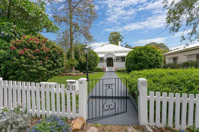 20 Glebe Rd, Newtown QLD 4305
