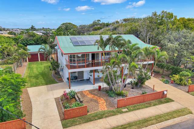 15 Scott St, Burnett Heads QLD 4670