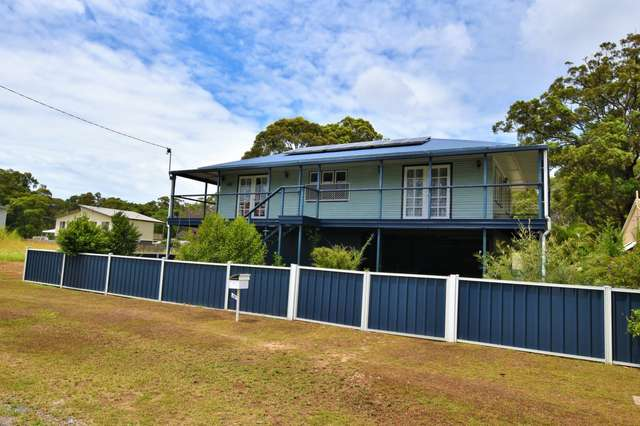 72 Laurel St, Russell Island QLD 4184