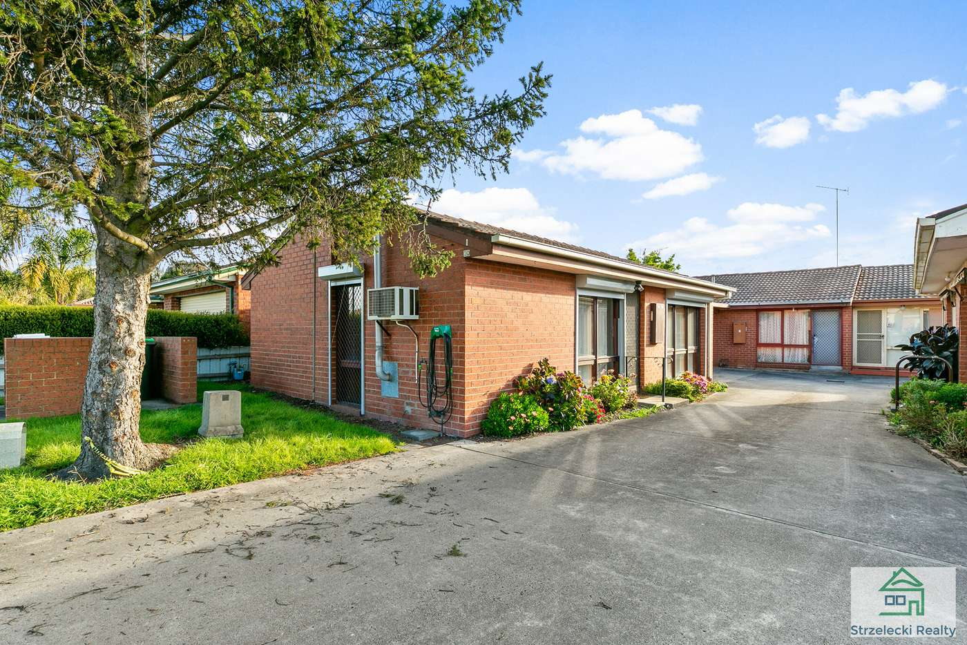 Main view of Homely unit listing, Unit 1/20 Saxtons Dr, Moe VIC 3825
