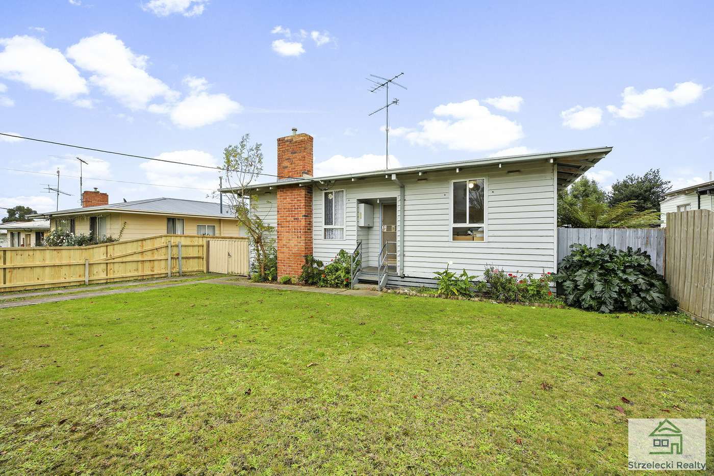 Main view of Homely house listing, 8 Phillip St, Moe VIC 3825