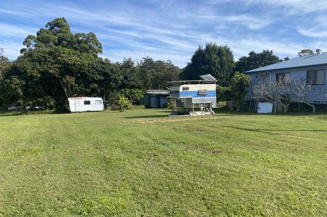 4 Mango Crescent, Macleay Island QLD 4184