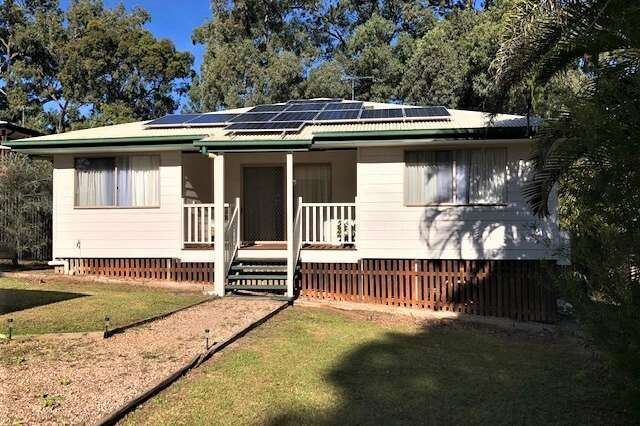 8 Blue Waters Cres, Macleay Island QLD 4184