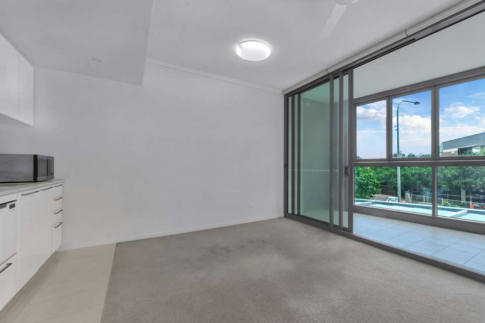 Third view of Homely apartment listing, REF: Tower 1, 8 Harbour Rd, Hamilton QLD 4007