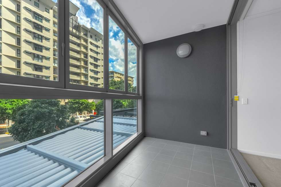 Fifth view of Homely apartment listing, REF: Tower 1, 8 Harbour Rd, Hamilton QLD 4007