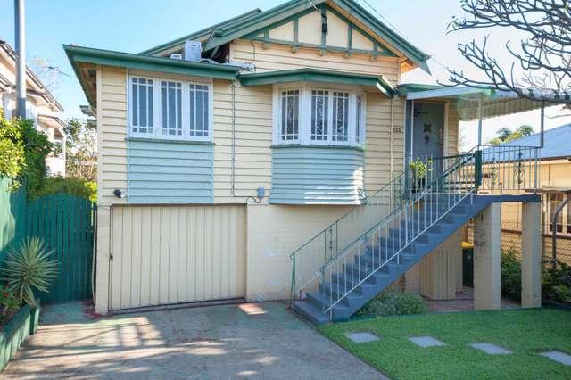 122 Days Rd, Grange QLD 4051