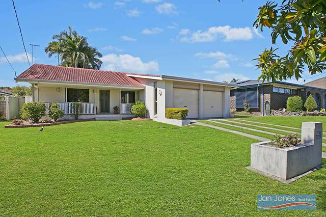 12 Pinewood Street, Redcliffe QLD 4020