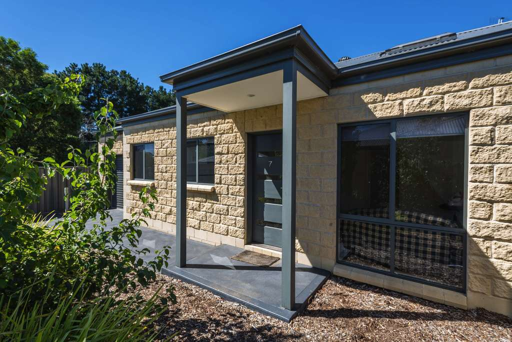 7 1887 Mount Macedon Road Woodend VIC 3442 For Rent
