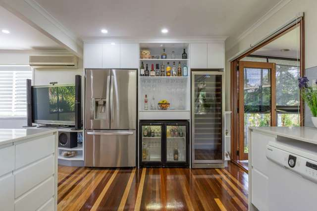 6 Farrell Court, Beaconsfield QLD 4740