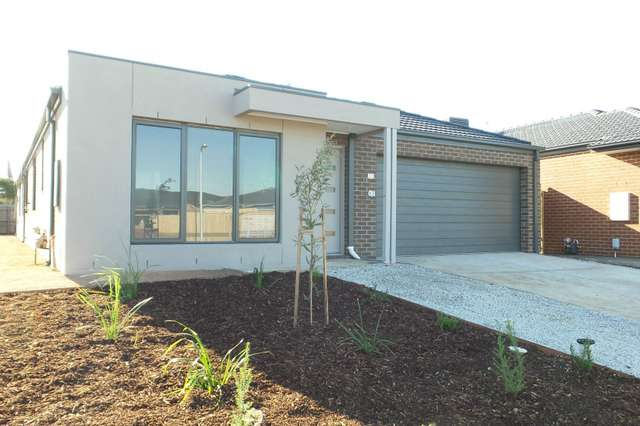 54 Cotton Field Way, Brookfield VIC 3338