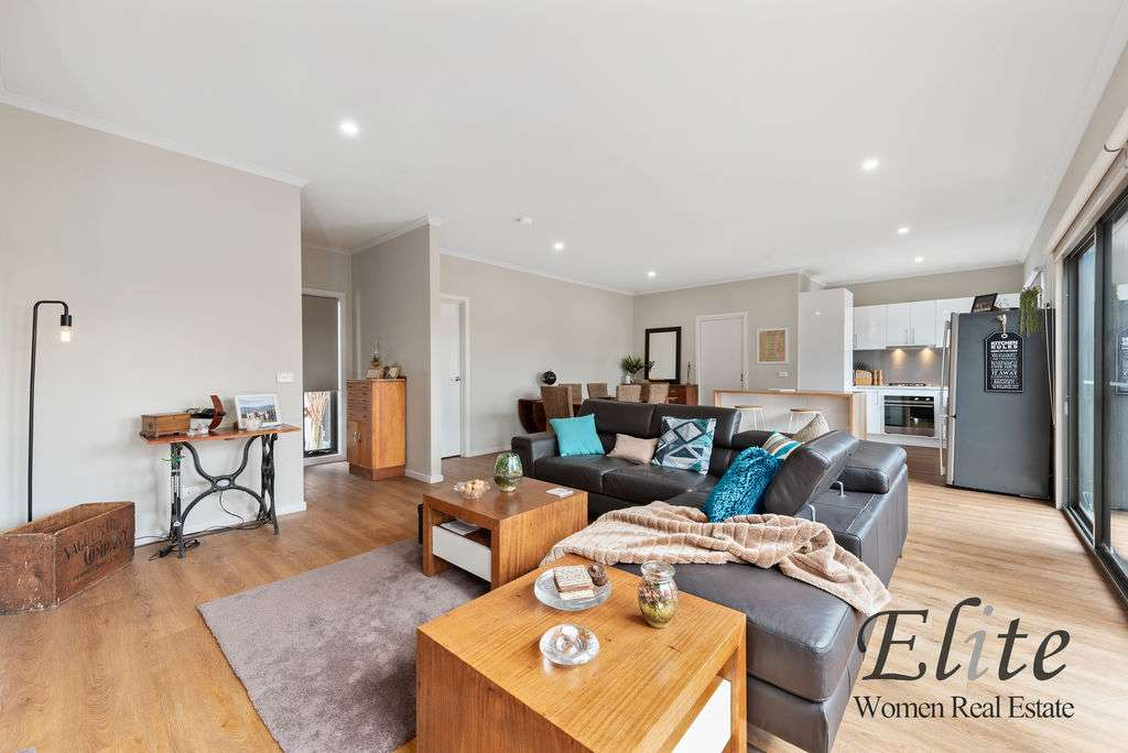 Main view of Homely townhouse listing, 6a Montgomery Court, Kilsyth, VIC 3137