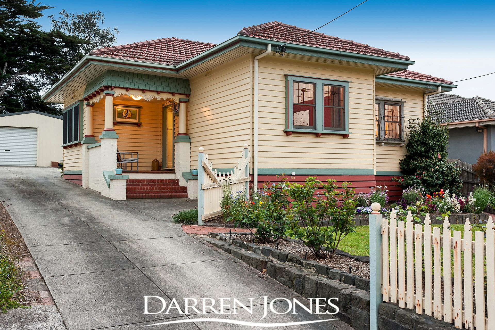 15 Greensborough Road