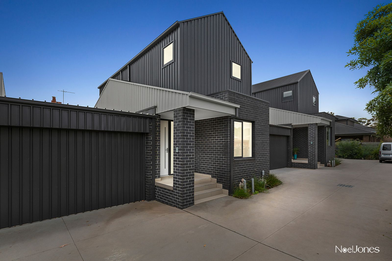 2/436 Middleborough Road