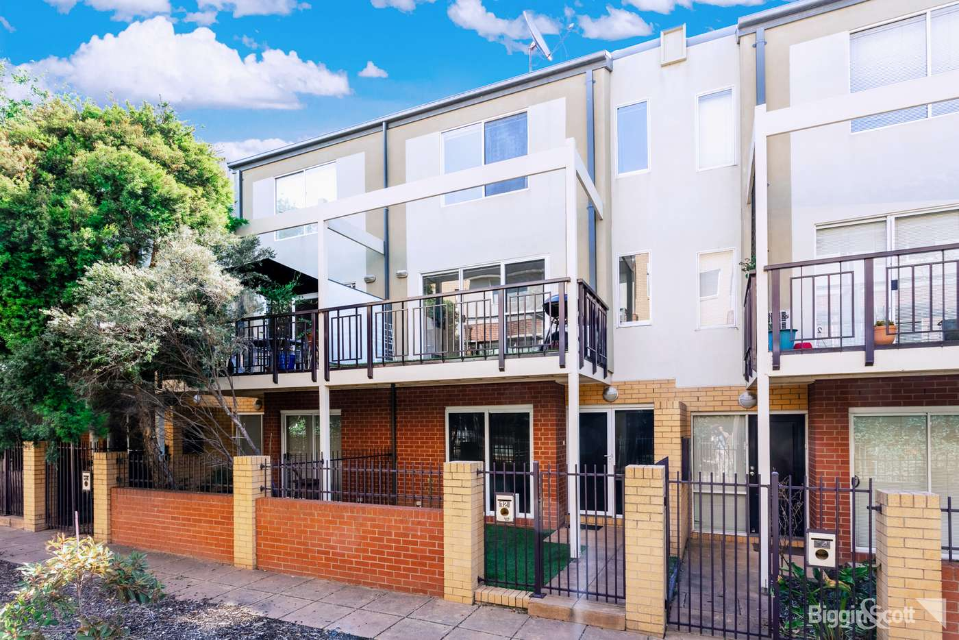Main view of Homely townhouse listing, 12 Kynoch Lane, Maribyrnong, VIC 3032