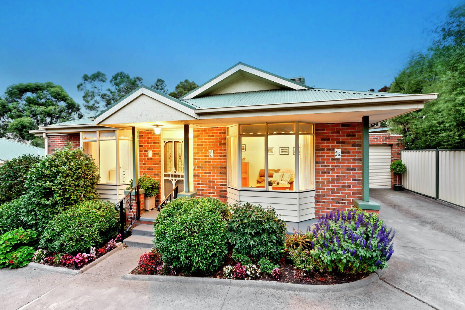 2/97 Mountain View Road