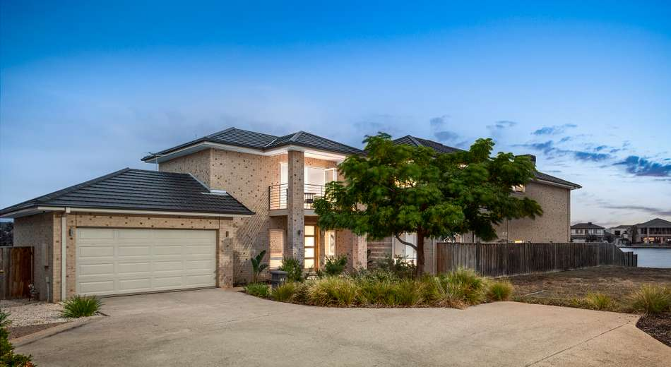12 Rhode Island Close, Point Cook VIC 3030